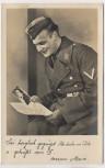 AK Foto Soldat Brief lesend Ich denke an Dich 1940