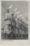 AK Foto Exerzieren mit dem Spaten Wehrmacht 1939