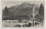 VERKAUFT !!!   AK Foto Garmisch-Partenkirchen Sportplatz und Hotel Riessersee viele Menschen Fahne Sportclub Rissersee Winter 1935