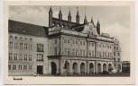AK Foto Rostock Rathaus mit Spruch 1957