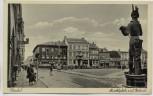 AK Stendal Marktplatz mit Roland viele Menschen und Autos 1940