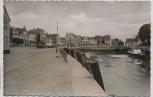VERKAUFT !!!   AK Foto Husum Nordsee Am Innenhafen Autos 1960