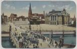 VERKAUFT !!!   AK Schwerin Hoftheater mit Schlossbrücke Aufziehen der Schlosswache Feldpost 1916