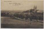 AK Quedlinburg Blick auf Schloss und Ort Straße Menschen 1910