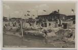 AK Foto Nordseebad Wangerooge Strandleben viele Fahnen 1933