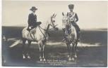 AK Prinz Ernst August Herzog zu Braunschweig und Lüneburg mit Gemahlin auf Pferd mit Uniform Husaren 1910