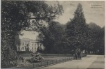 AK Kiel Schlossgarten mit Universität 2 Männer 1910
