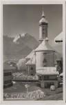 AK Foto Garmisch-Partenkirchen Kirche im Winter mit Geschäft 1935