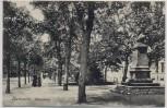 AK Karlsruhe Kriegstrasse mit Denkmal und Passanten 1905 RAR