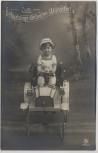 AK Foto Zum Geburtstage die besten Wünsche Kind mit Spielzeug Auto Tretauto 1911 RAR