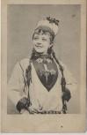 AK Frau in Tracht mit Schmuck Haube Schweden 1910