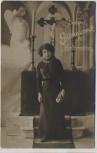 AK Foto Herzlichen Glückwunsch zur Konfirmation Mädchen vor Kreuz und Engel 1913