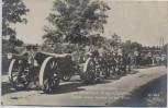 AK Foto Original Aufnahme vom feindlichen Kriegsschauplatz Englische schwere Geschütze auf dem Marsch 1. WK Verlag Gustav Liersch 1915