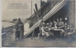 AK Foto Original Aufnahme vom feindlichen Kriegsschauplatz Eine deutsche Flußwache in Feindesland Soldaten mit Pickelhaube 1. WK Verlag Gustav Liersch 1915